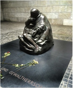 Neue Wache Memorialabandon, Berlin